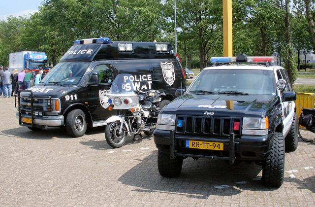 speciale politie voertuigen